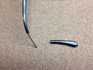 アランミクリスタルクセルフレームテンプル折れ修理実例